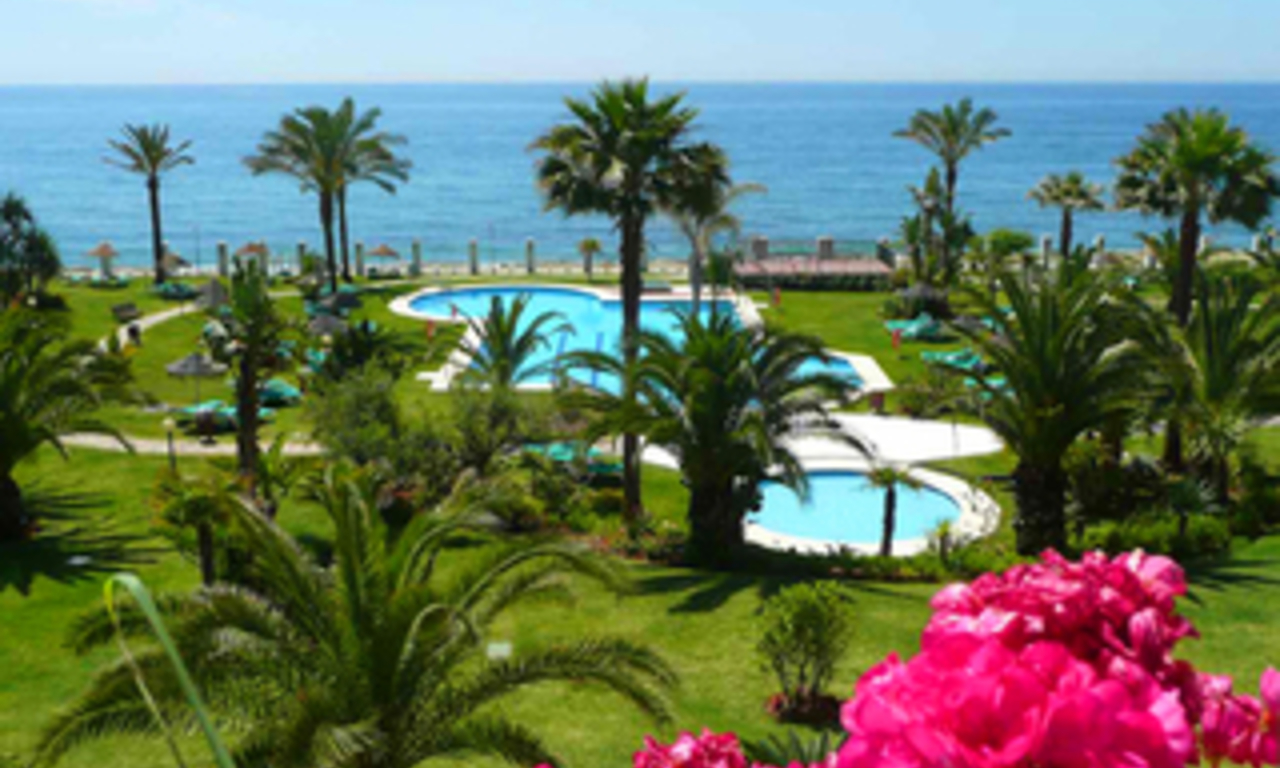 Beachfront apartment to buy, Golden Mile, Puerto Banus - Marbella 0