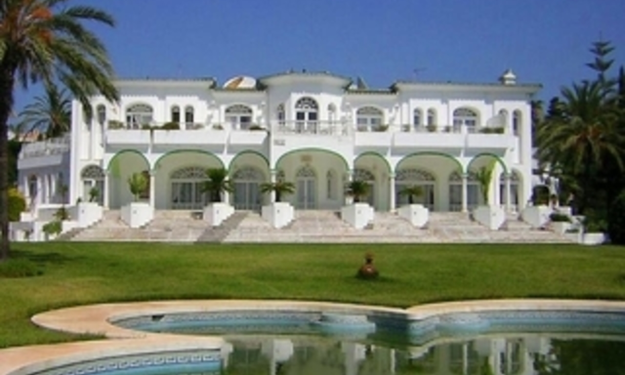Villa - Palace for sale, Golden Mile - Nueva Andalucia - Marbella 0