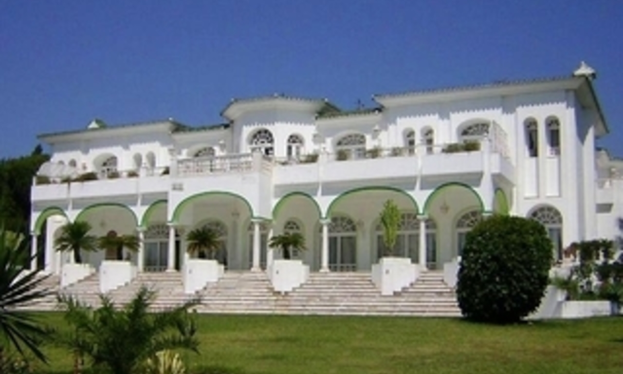Villa - Palace for sale, Golden Mile - Nueva Andalucia - Marbella 1