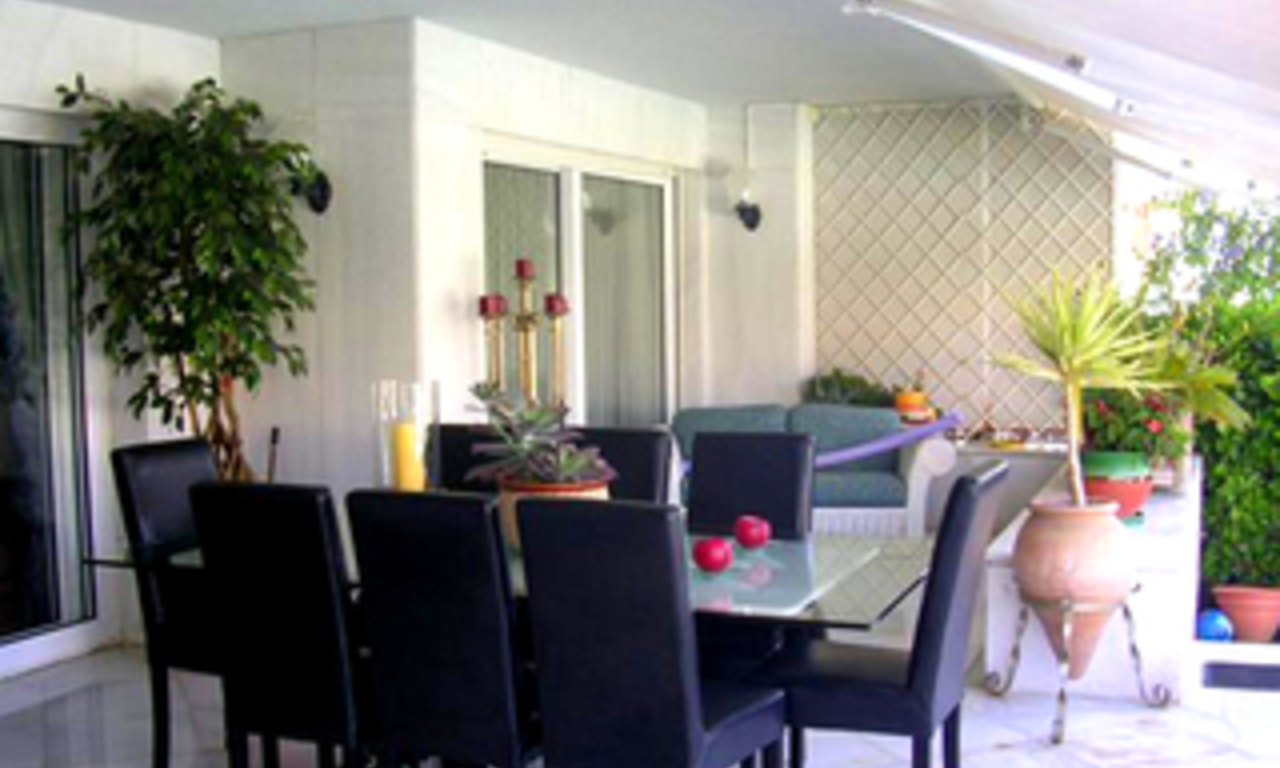 Beachfront luxury apartment for sale in Los Granados, Puerto Banus - Marbella 5