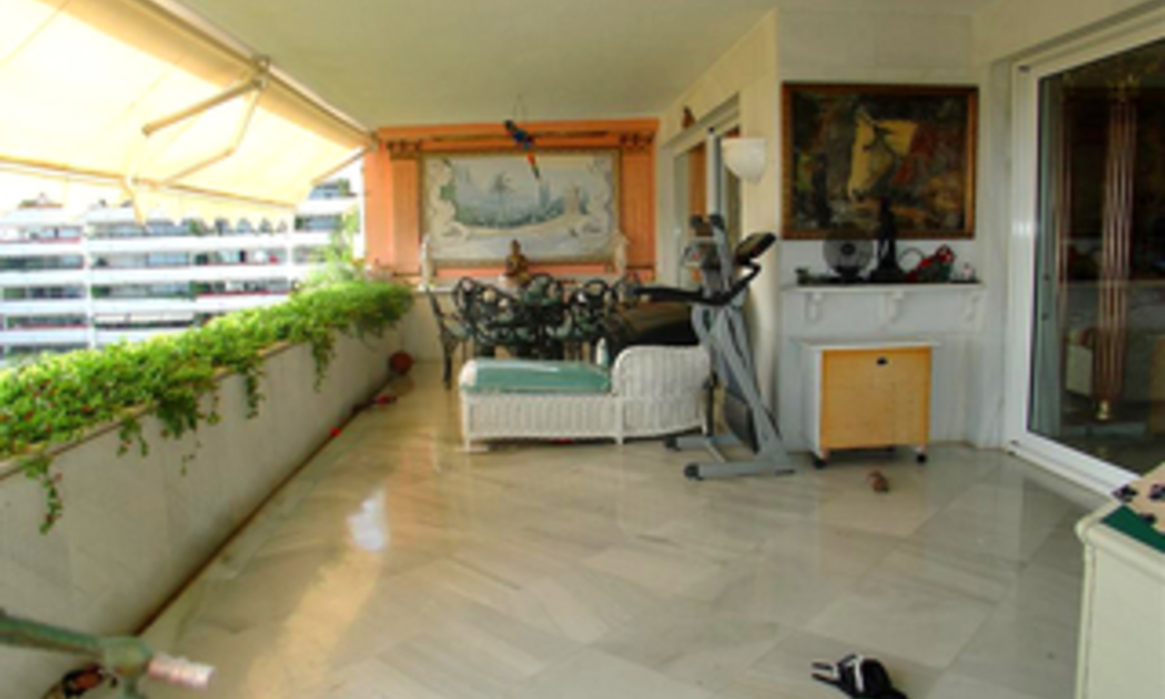 Luxury apartment for sale second line beach, Marbella centre 2