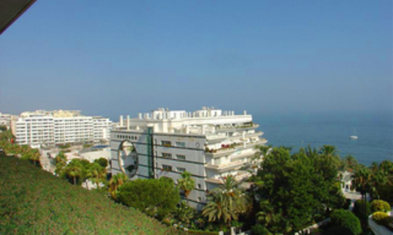Luxury apartment for sale second line beach, Marbella centre 1
