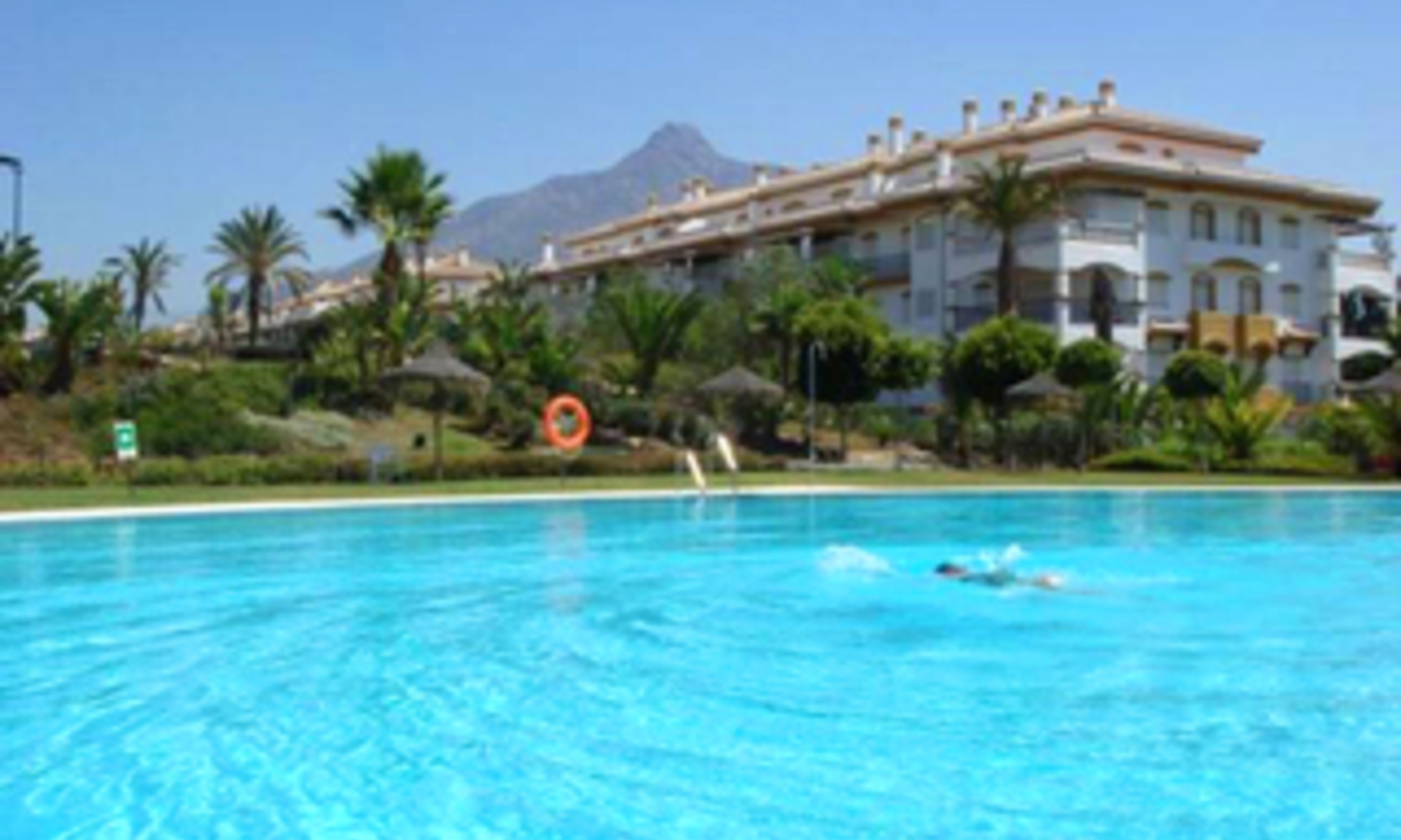 Apartment for sale walking distance from Puerto Banus, Nueva Andalucia, Marbella 4