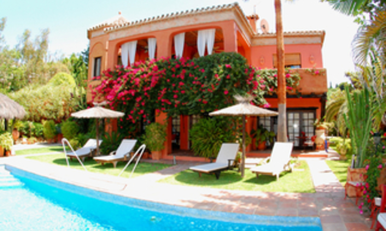 Villa for sale in Marbella east, Costa del Sol 1