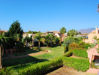 Beachside apartment for sale, close to the beach, between Marbella and Estepona centre, Costa del Sol