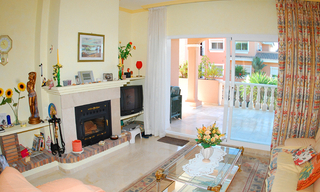 Beachside apartment for sale, close to the beach, between Marbella and Estepona centre, Costa del Sol 4