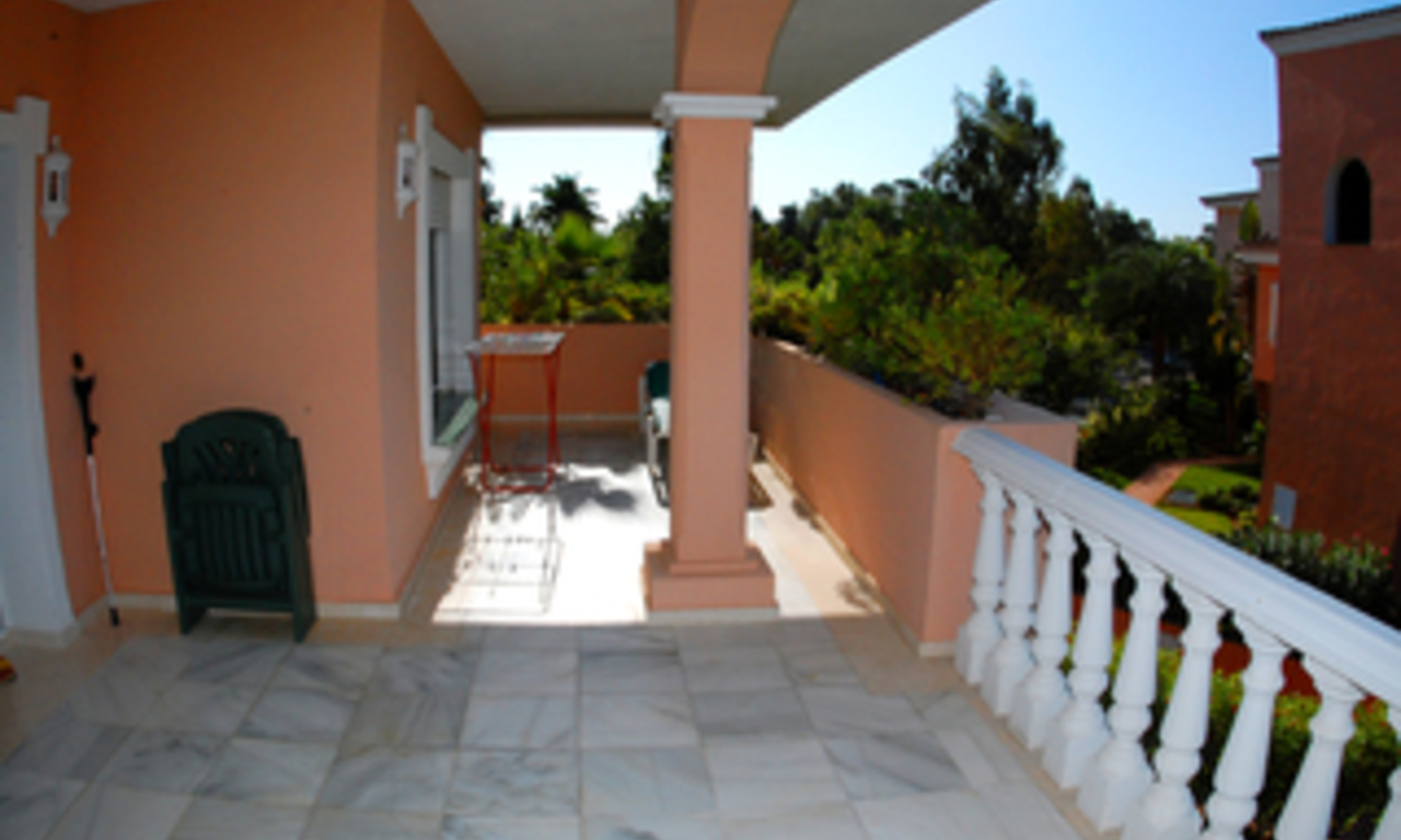 Beachside apartment for sale, close to the beach, between Marbella and Estepona centre, Costa del Sol 2