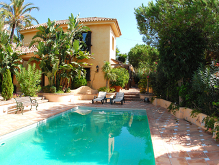Bargain Beachside Villa for Sale in Marbella East