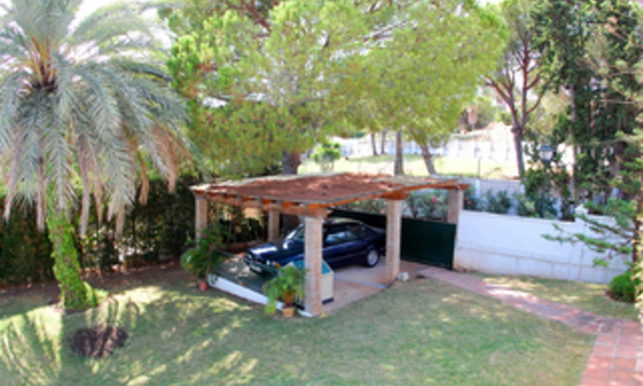 Bargain Villa for sale in Nueva Andalucia, the golf valley of Marbella 5