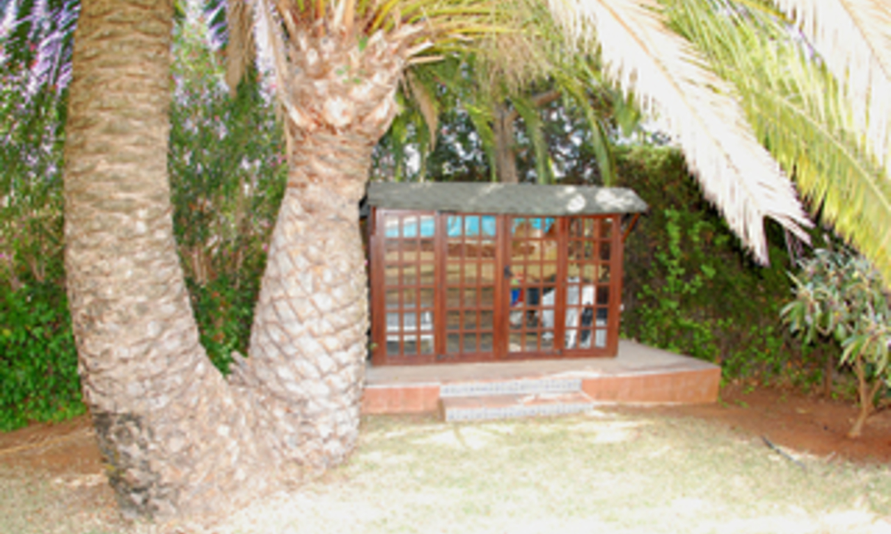 Bargain Villa for sale in Nueva Andalucia, the golf valley of Marbella 6