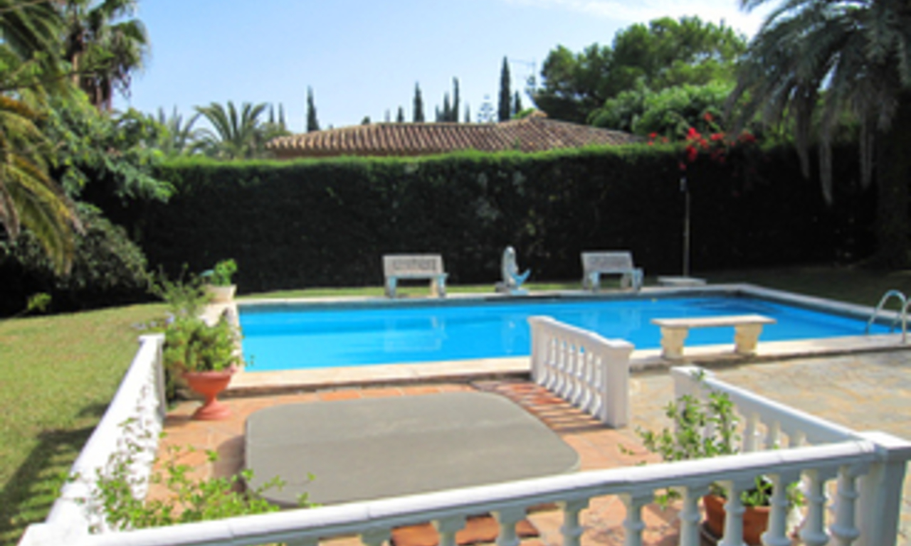 Bargain Villa for sale in Nueva Andalucia, the golf valley of Marbella 7