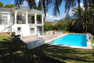 Bargain Villa for sale in Nueva Andalucia, the golf valley of Marbella 2
