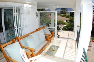 Bargain Villa for sale in Nueva Andalucia, the golf valley of Marbella 11