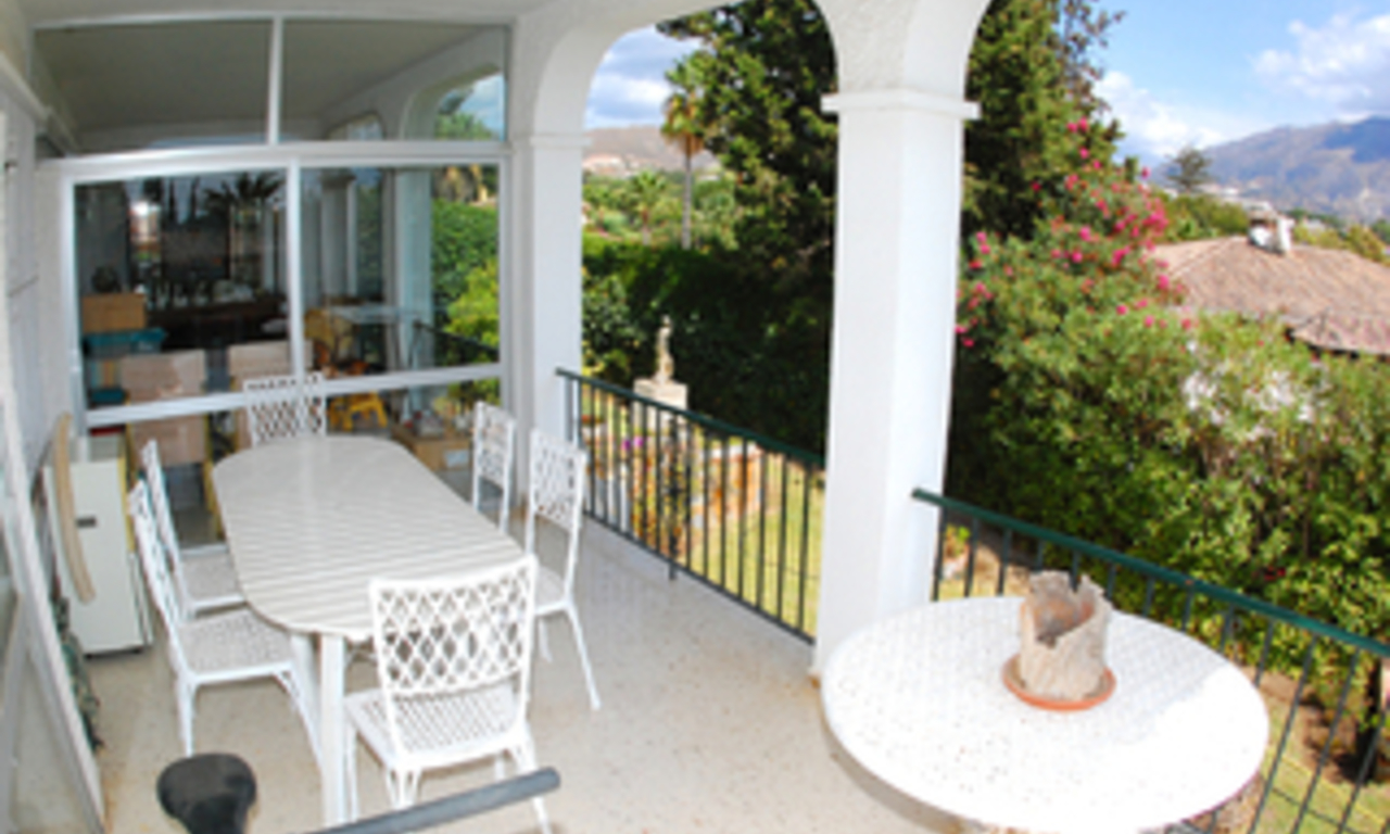 Bargain Villa for sale in Nueva Andalucia, the golf valley of Marbella 12