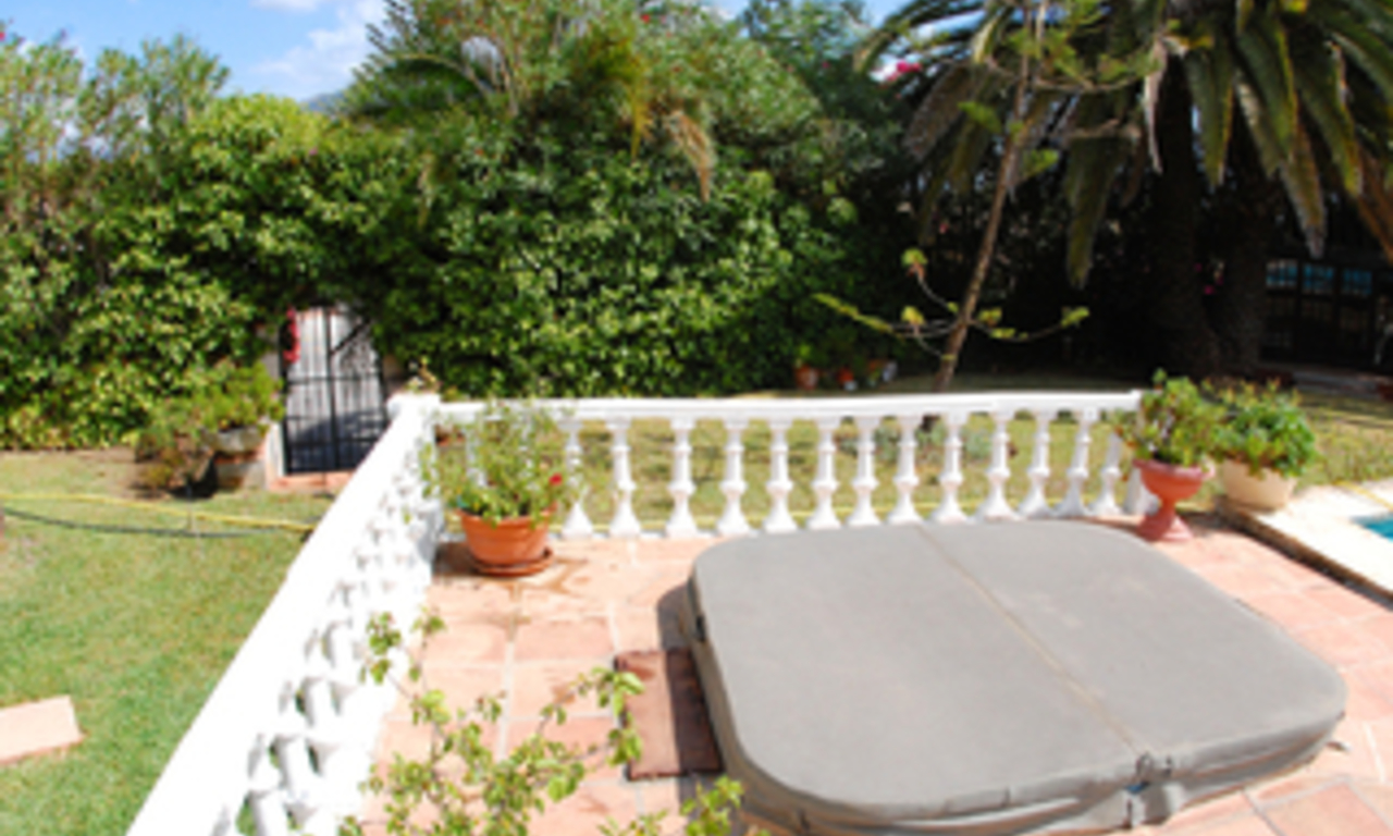 Bargain Villa for sale in Nueva Andalucia, the golf valley of Marbella 8
