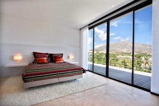 Frontline golf, contemporary villa for sale at Nueva Andalucia - Marbella 15