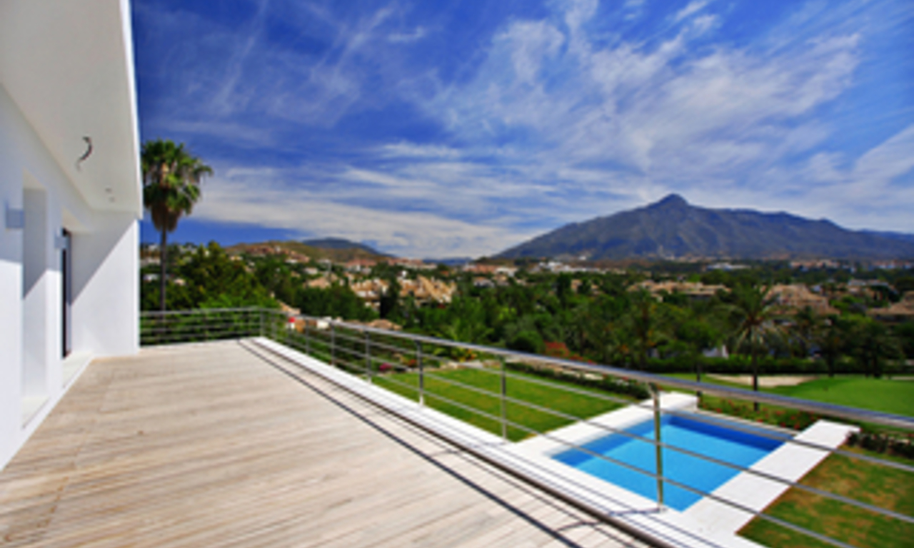 Frontline golf, contemporary villa for sale at Nueva Andalucia - Marbella 23