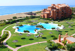 Beachfront penthouse apartment for sale in La Duquesa, Costa del Sol, Spain