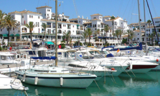 Beachfront penthouse apartment for sale in La Duquesa, Costa del Sol, Spain 23