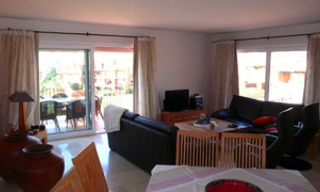 Beachfront penthouse apartment for sale in La Duquesa, Costa del Sol, Spain 10