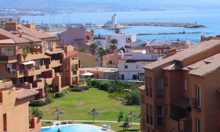 Beachfront penthouse apartment for sale in La Duquesa, Costa del Sol, Spain 2