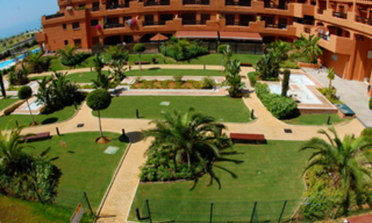 Beachfront apartments and penthouse for sale, Estepona, Costa del Sol 3