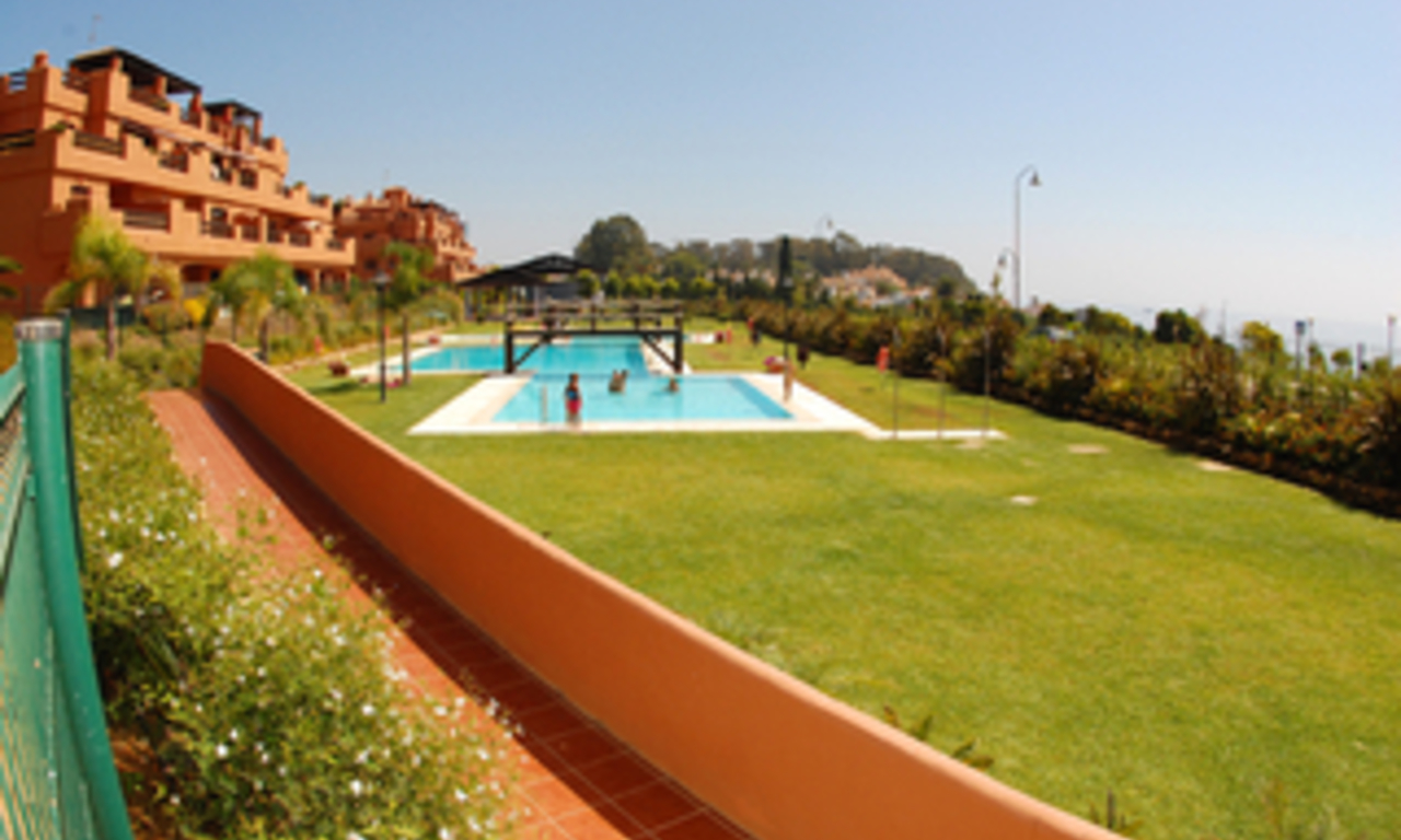 Beachfront apartments and penthouse for sale, Estepona, Costa del Sol 10