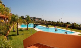 Beachfront apartments and penthouse for sale, Estepona, Costa del Sol 11