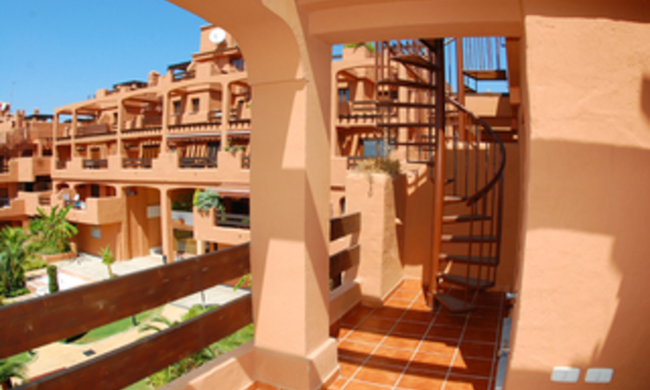 Beachfront apartments and penthouse for sale, Estepona, Costa del Sol 8