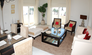 New frontline beach penthouse for sale, on the boulevard in the centre of Estepona 5