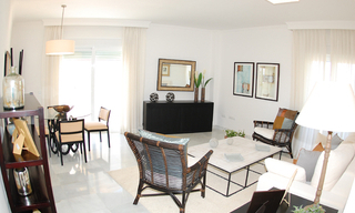 New frontline beach penthouse for sale, on the boulevard in the centre of Estepona 9