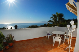 Beachfront penthouse apartment for sale in Elviria, East Marbella