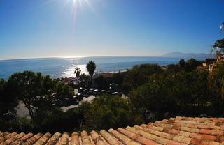 Beachfront penthouse apartment for sale in Elviria, East Marbella 11