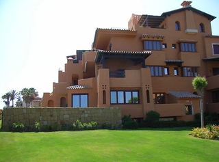 Beachfront luxury penthouse apartment for sale, on the New Golden Mile, between Marbella and Estepona 10