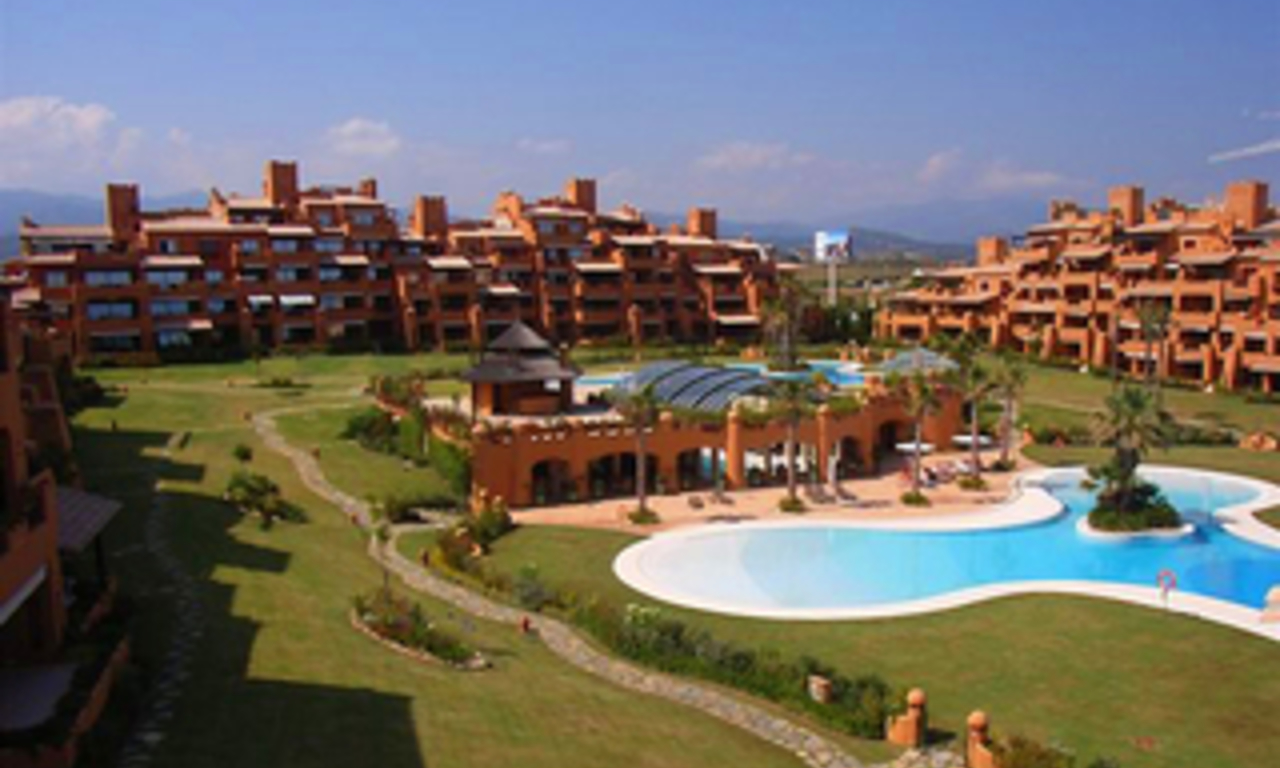 Beachfront luxury penthouse apartment for sale, on the New Golden Mile, between Marbella and Estepona 11