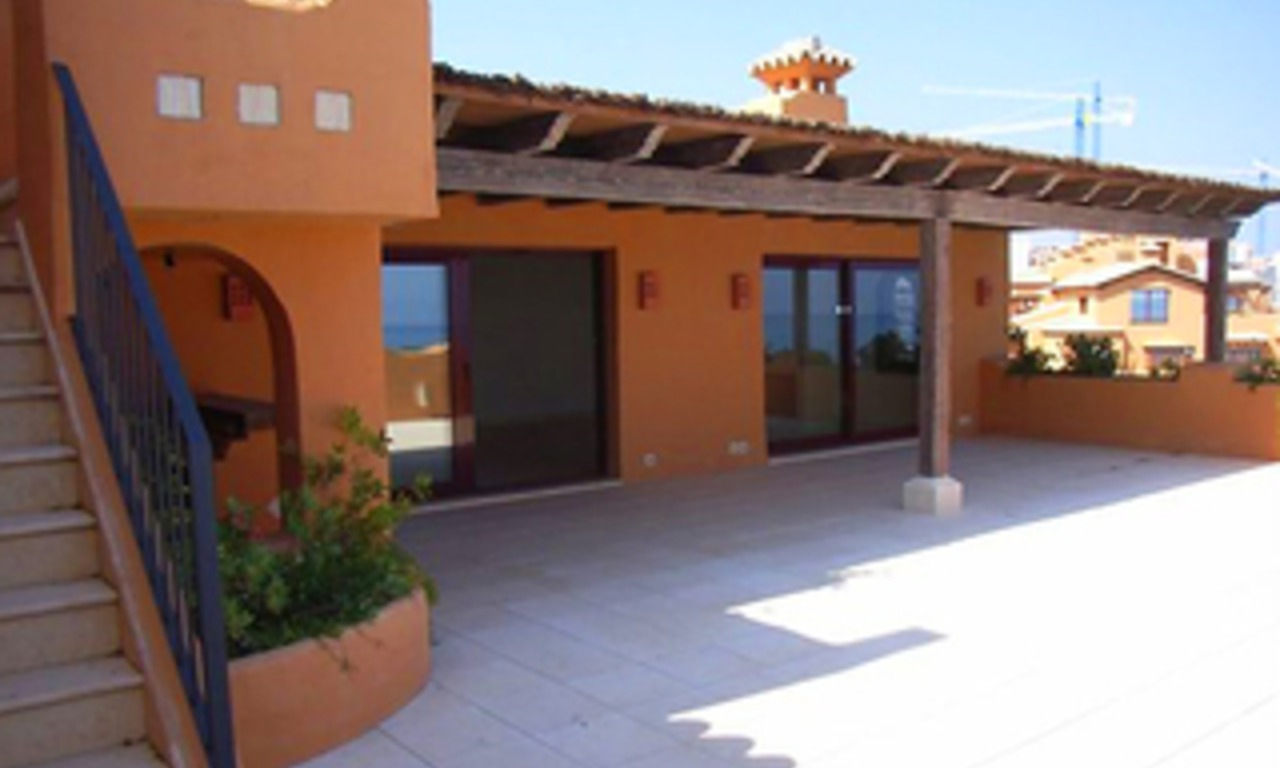 Beachfront luxury penthouse apartment for sale, on the New Golden Mile, between Marbella and Estepona 4