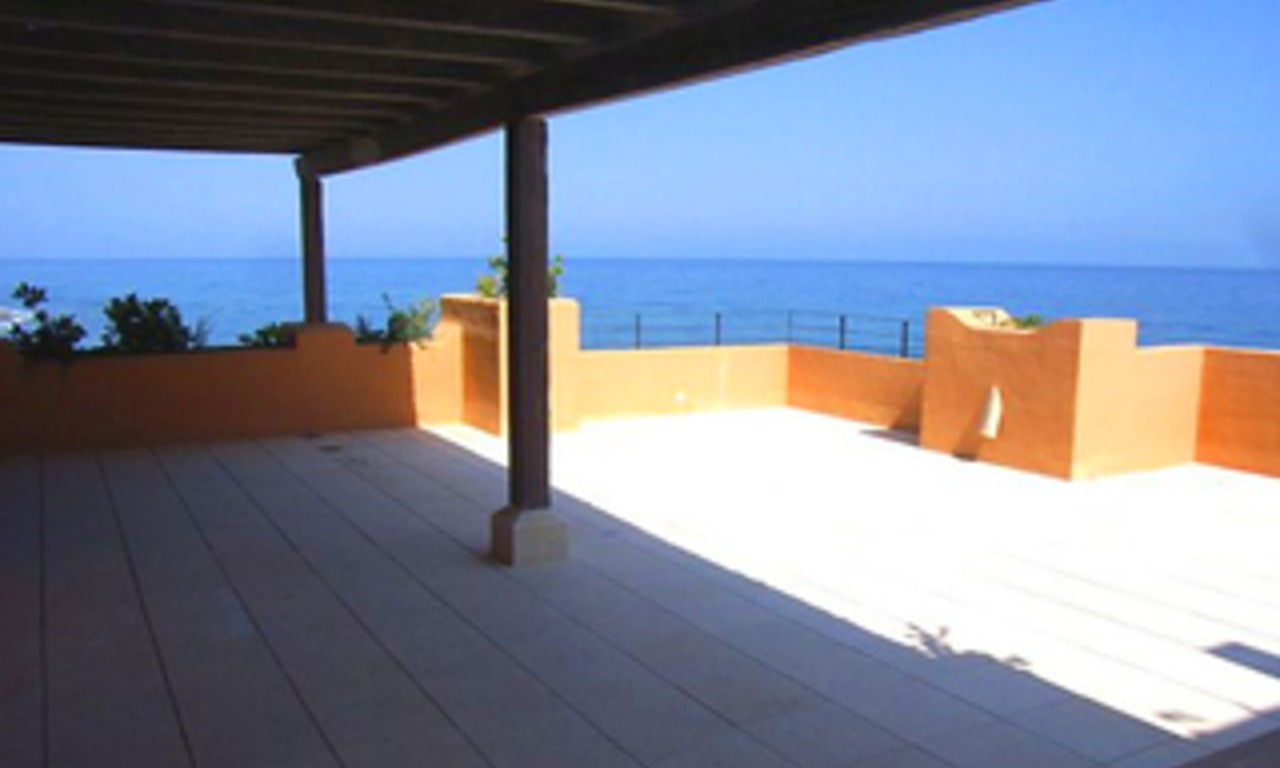 Beachfront luxury penthouse apartment for sale, on the New Golden Mile, between Marbella and Estepona 3