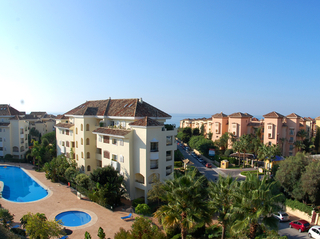 Beachside luxury apartment for sale, Elviria, Marbella east