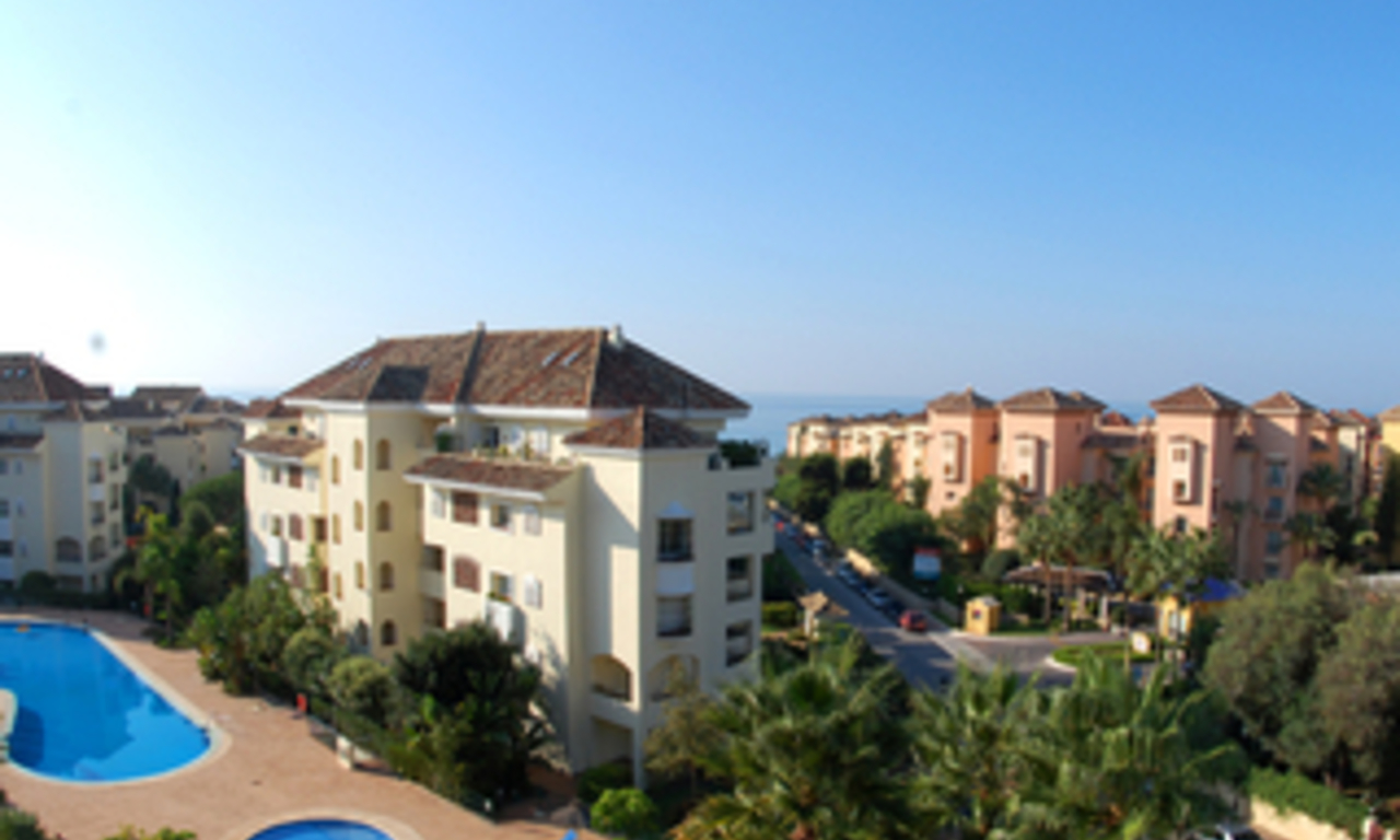 Beachside luxury apartment for sale, Elviria, Marbella east 0