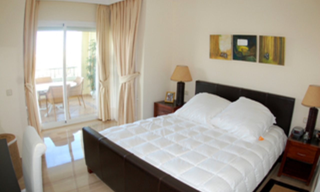 Beachside luxury apartment for sale, Elviria, Marbella east 13