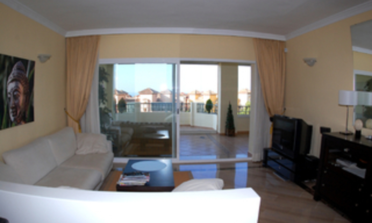 Beachside luxury apartment for sale, Elviria, Marbella east 9