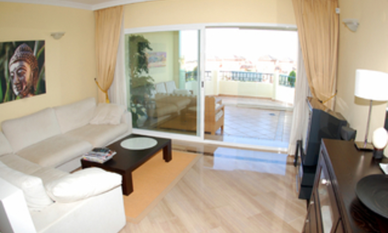 Beachside luxury apartment for sale, Elviria, Marbella east 10