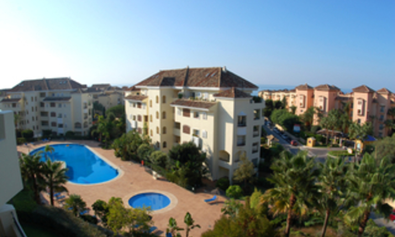 Beachside luxury apartment for sale, Elviria, Marbella east 2
