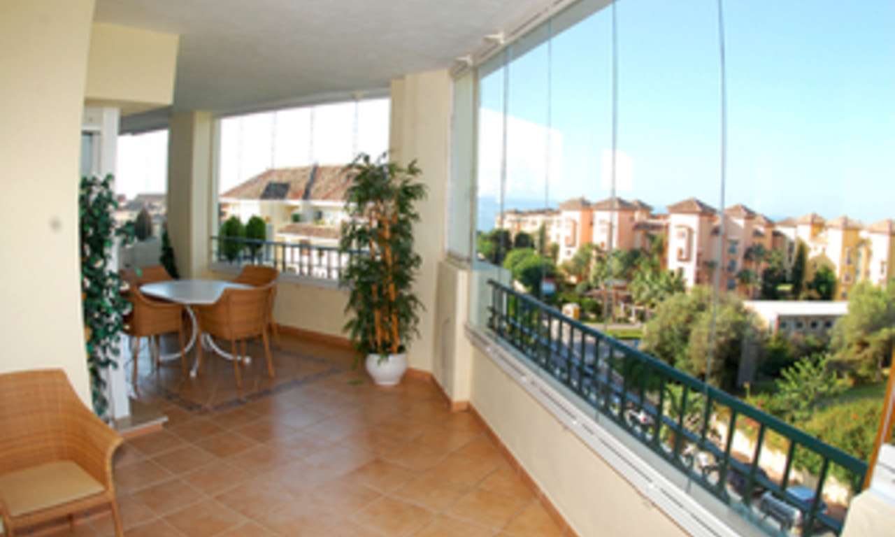 Beachside luxury apartment for sale, Elviria, Marbella east 6