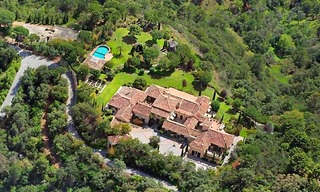 Exclusive villa estate for sale in the area Marbella - Benahavis 2