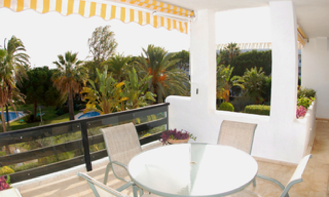 Beachfront apartment to buy on the Golden Mile between Marbella centre and Puerto Banus 6