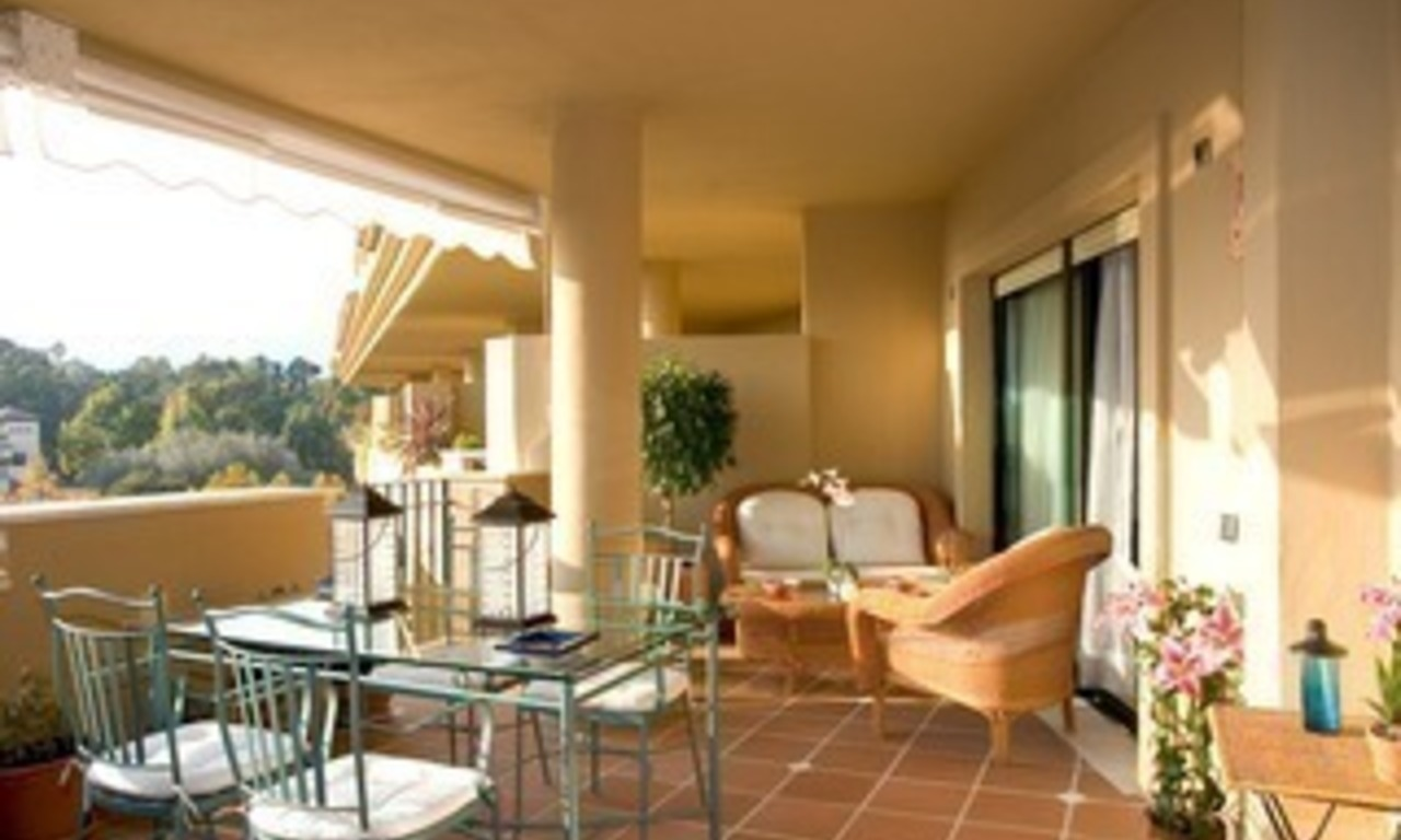 Frontline golf penthouse to buy in Marbella 5