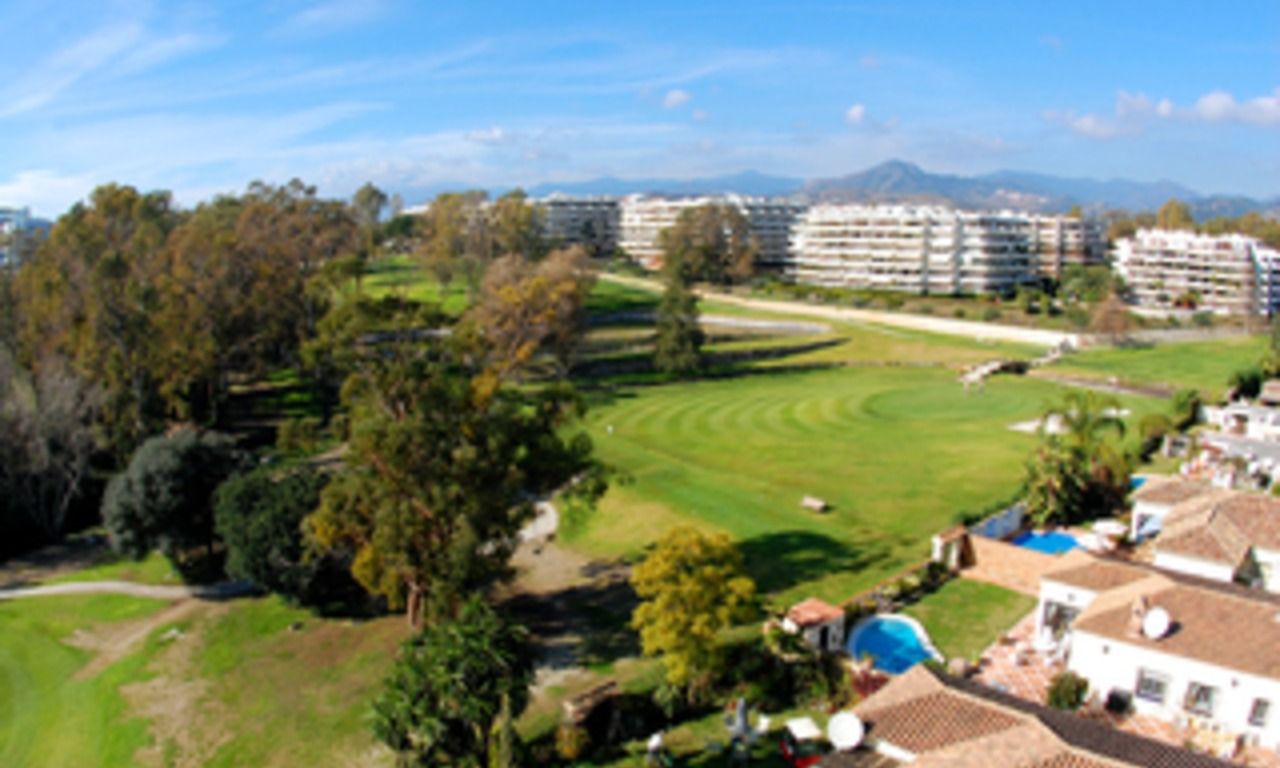 Frontline golf penthouse to buy in Marbella 2