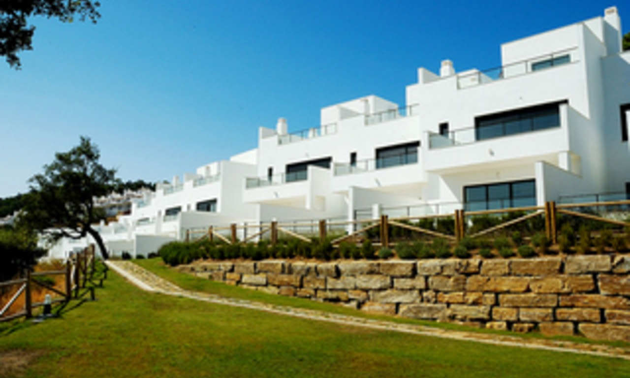 Contemporary Townhouses for sale in Marbella 0