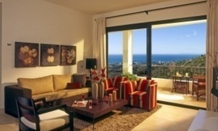 New luxury modern penthouse apartments to buy in Marbella, Costa del Sol 5